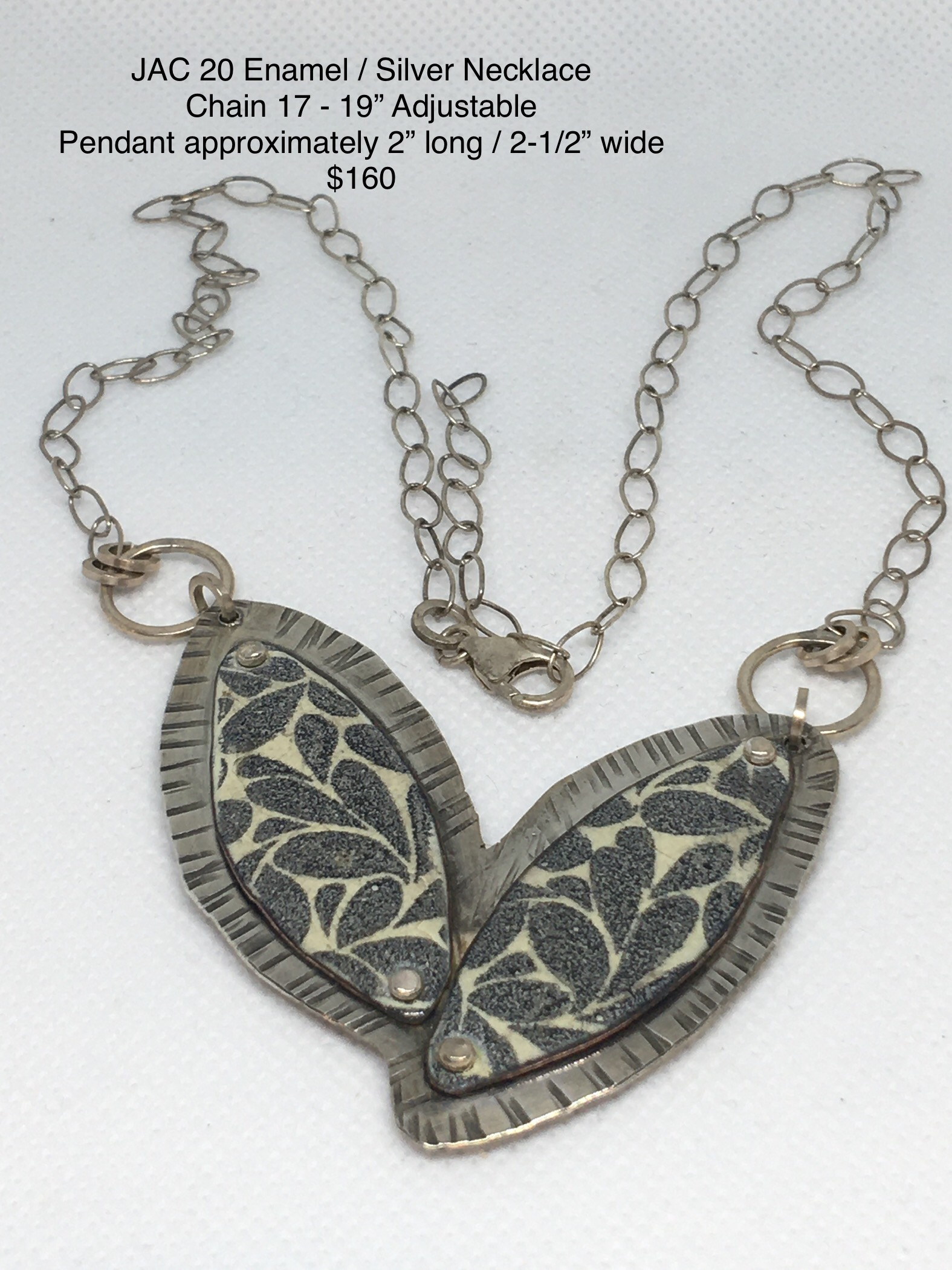 JAC#20-neck-silver-enamel-black-white-3115